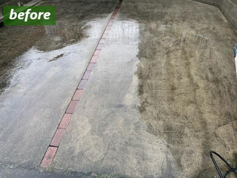 駐車スペースの高圧洗浄前